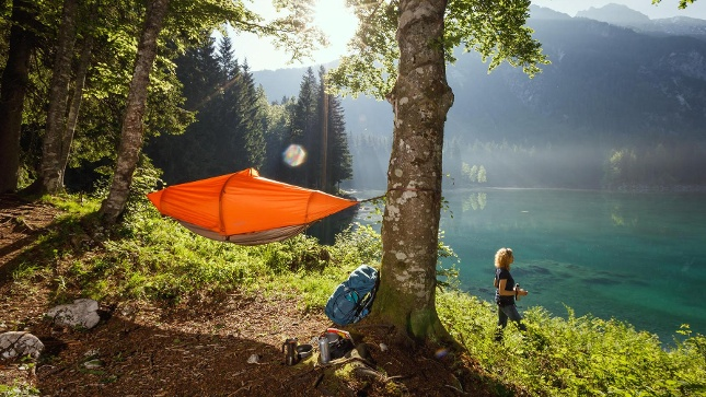 THE FLYING TENT €389,-